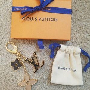 Auth Fleur de Monogran keychain bag charm M67119